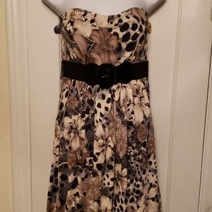 NWOT Dots Lg Strapless Dress Faux Attached Belt
